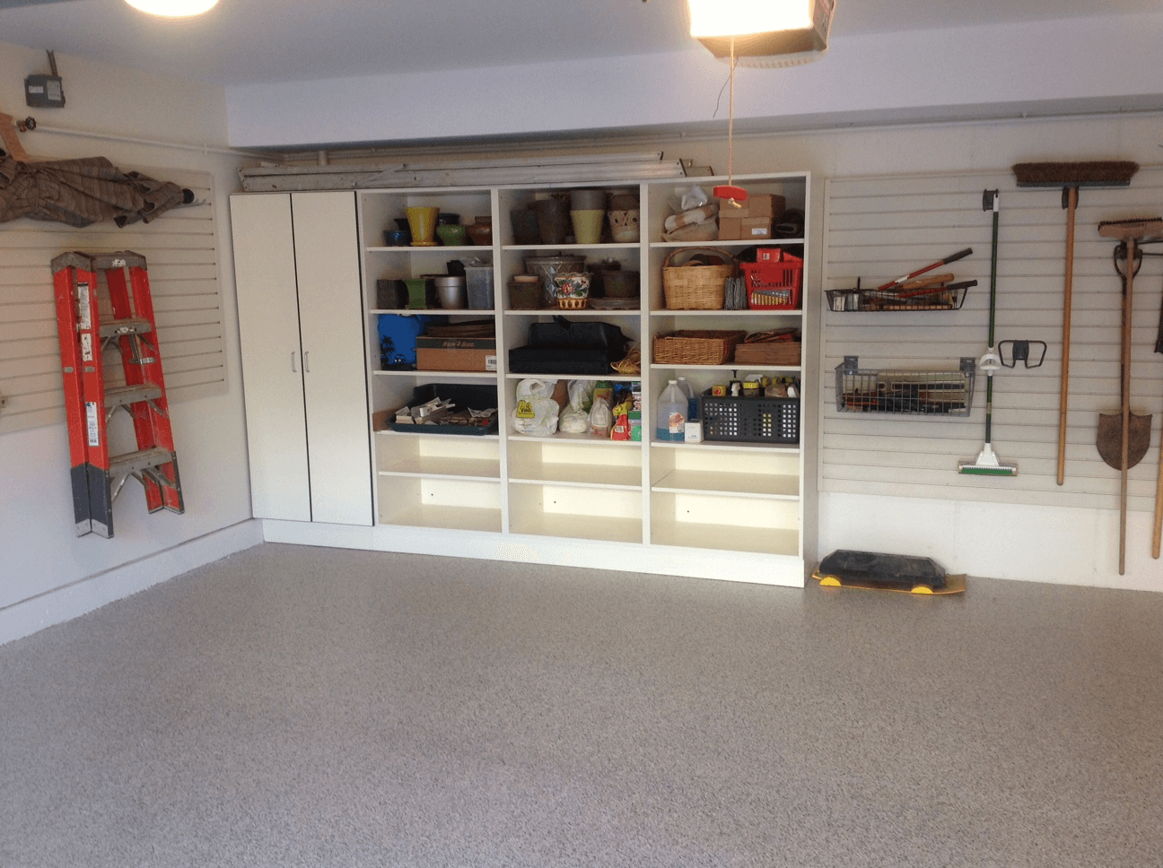 HOW TO MAKE SMALL GARAGE LOOK BIGGER WITH NICE CABINET ORGANIZATION