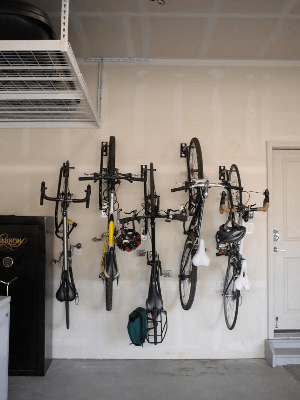 LOCK BIKE UP ON THE WALL GARAGE STORAGE DESIGN IDEAS