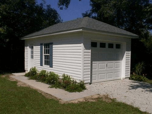SEPARATED SMALL GARAGE FROM THE HOUSE