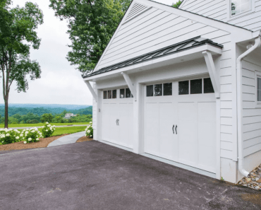 WHITE HOUSE GARAGE DOOR DESIGN IDEAS