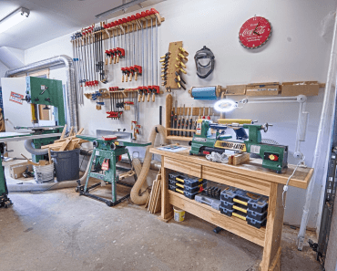 HOW TO BUILD GARAGE WOKSHOP IN 7 EASY STEPS