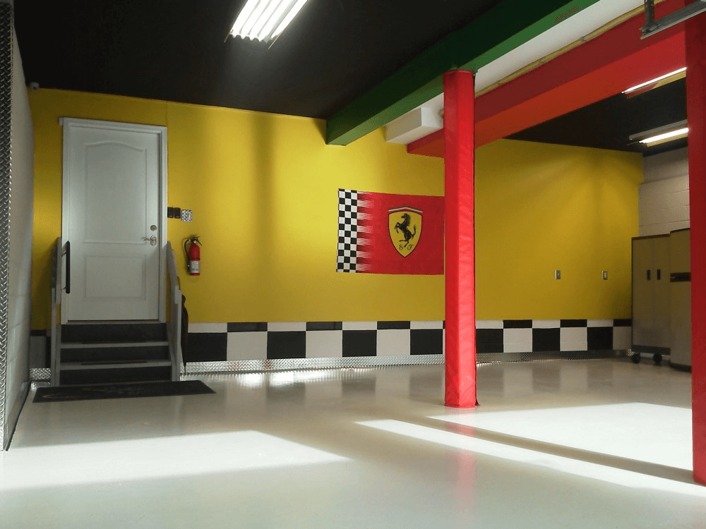 HOW TO DECORATE GARAGE WALL EASILY. YES, PAINTING