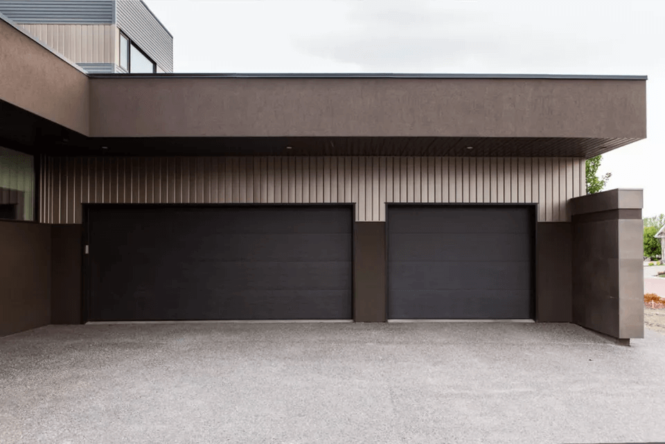 SMOOTH AND SLEEK GARAGE DOOR DESIGN IDEAS