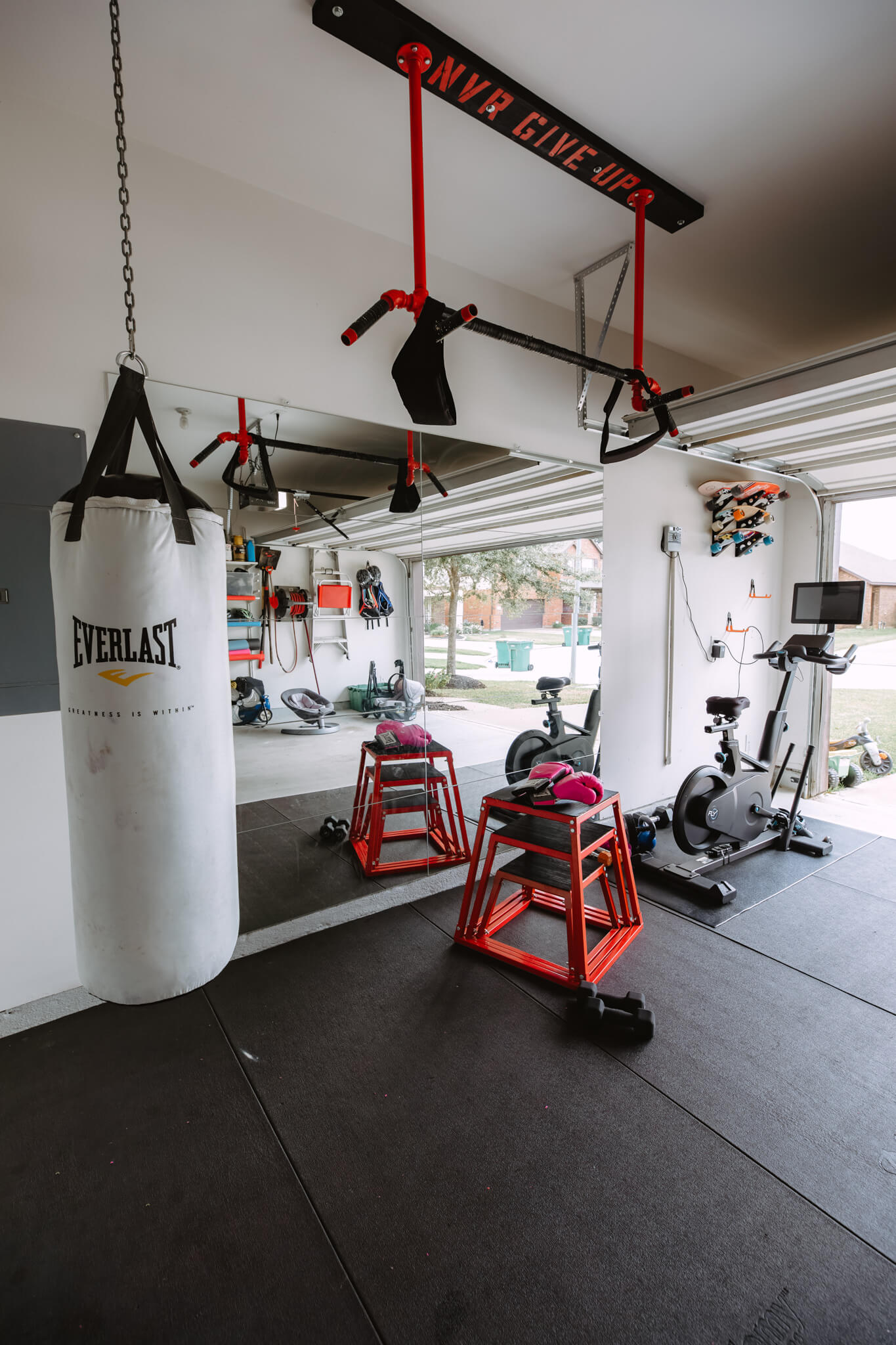 WHY YOU SHOULD BUILD YOUR GARAGE GYM