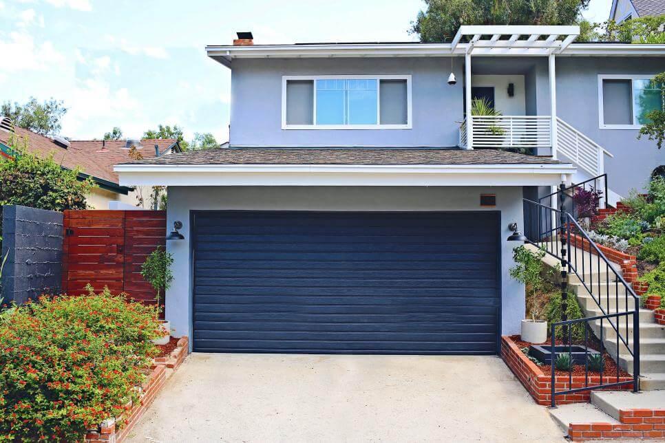 DIY GARAGE DOOR MAKEOVER IDEAS REPAINT