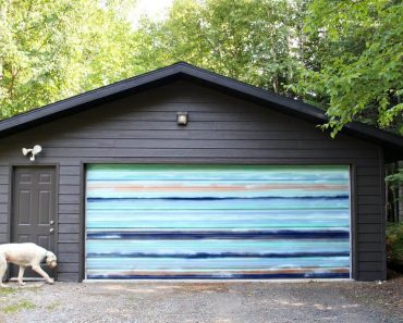 MURAL PIECE DIY GARAGE DOOR MAKEOVER IDEAS