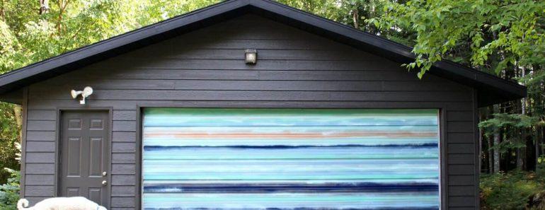 MURAL PIECE DIY GARAGE DOOR MAKEOVER IDEAS