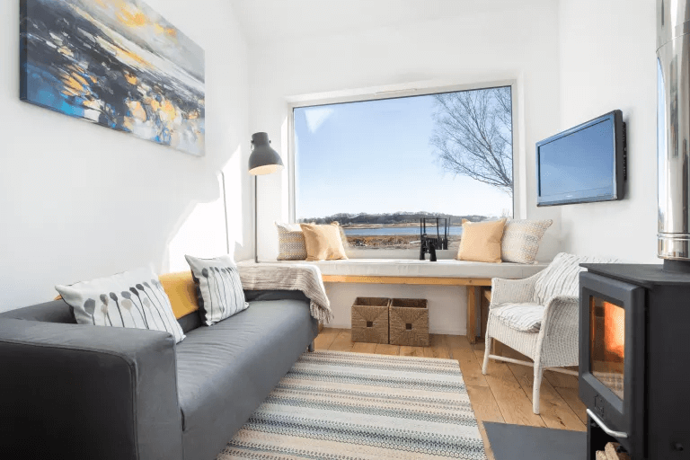 GARAGE MAKEOVER IDEAS TO LIVING SPACE WITH A VIEW
