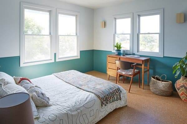 GARAGE MAKEOVER TO TURQUOISE GUEST BEDROOM IDEAS