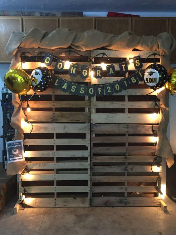 PHOTO BOOTS DECOR IDEAS FOR GARAGE PARTY