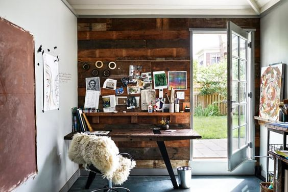 SMALL AND COZY GARAGE MAKEOVER TO OFFICE