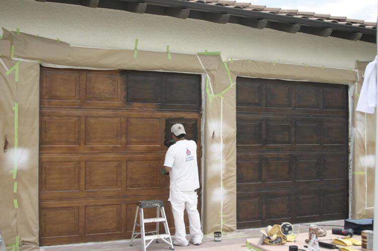 TIPS ON HOW TO PAINT A GARAGE DOOR