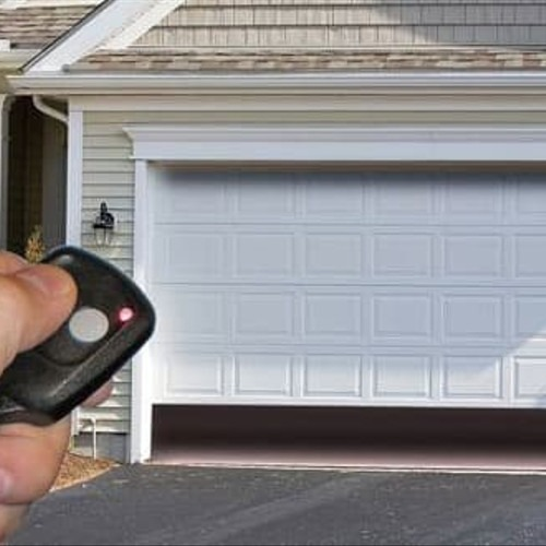 GARAGE DOOR WON'T OPEN WITH REMOTE