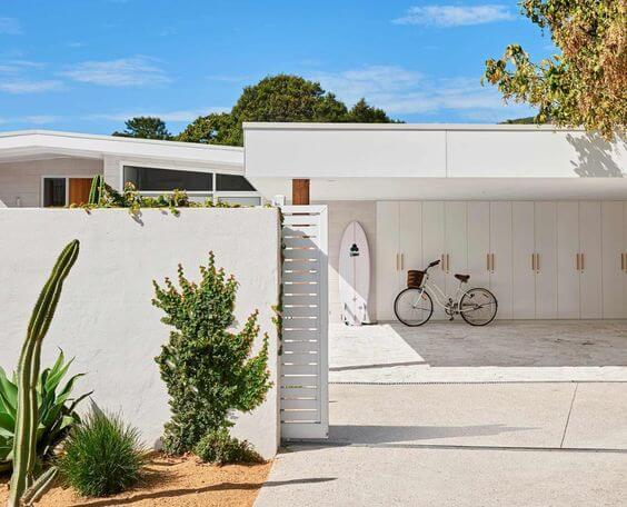 SCANDY MID CENTURY MODERN GARAGE DESIGN IDEAS