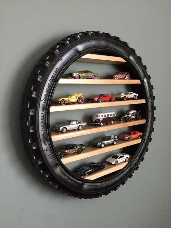 CAR GARAGE DECORATING IDEAS WITH COLLECTION DISPLAY