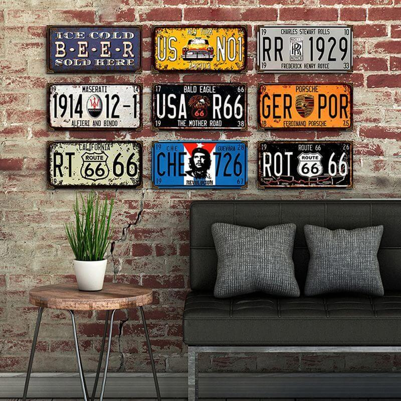 CAR GARAGE DECORATING IDEAS WITH OLD LICENSE PLATE