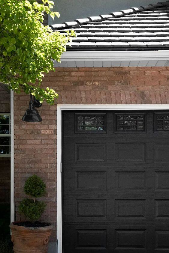 CONTRASTING COLOR FOR OUTSIDE GARAGE DECORATING IDEAS