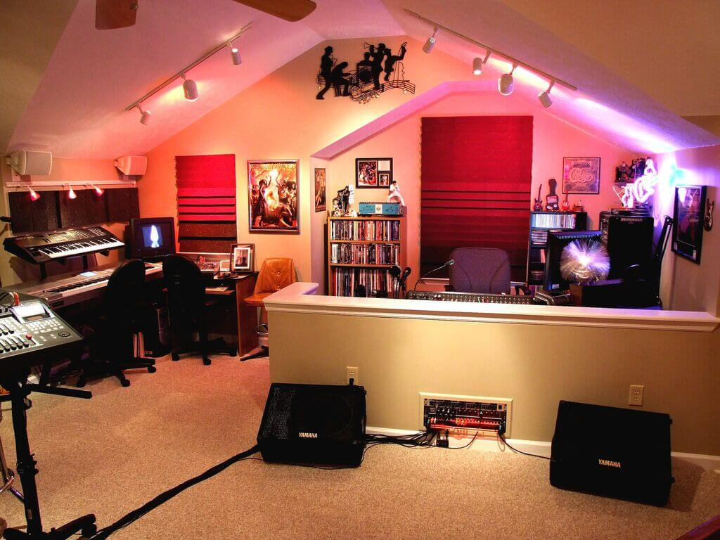 MUSIC BONUS ROOMS ABOVE GARAGE