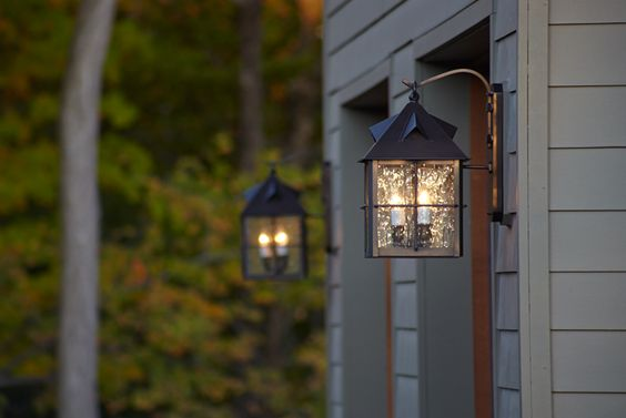 NEW YET CLASSIC SOLAR COACH LIGHTS FOR GARAGE