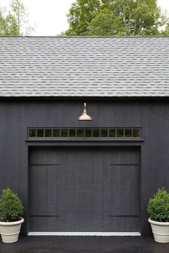 POTTED PLANTS FOR OUTSIDE GARAGE DECORATING